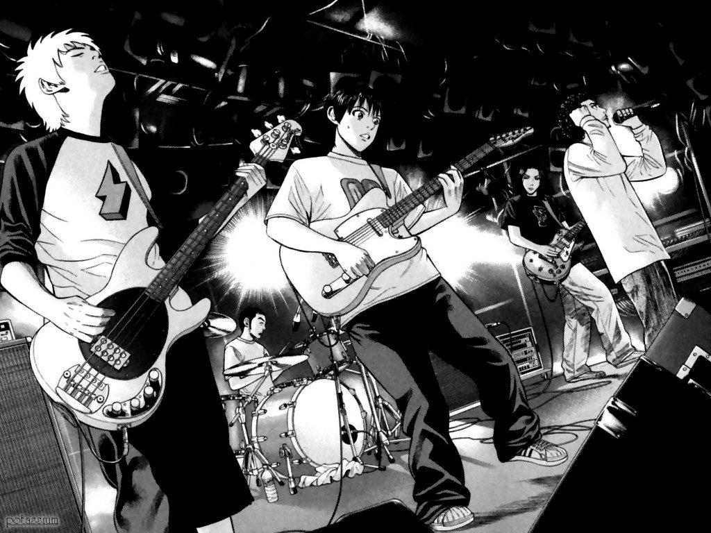 Todos os integrantes da banda tocando juntos